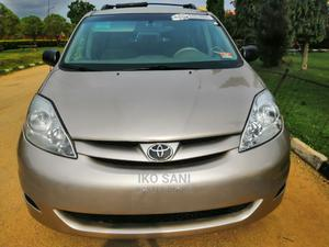 Toyota Sienna 2008 Gold | Cars for sale in Abuja (FCT) State, Katampe
