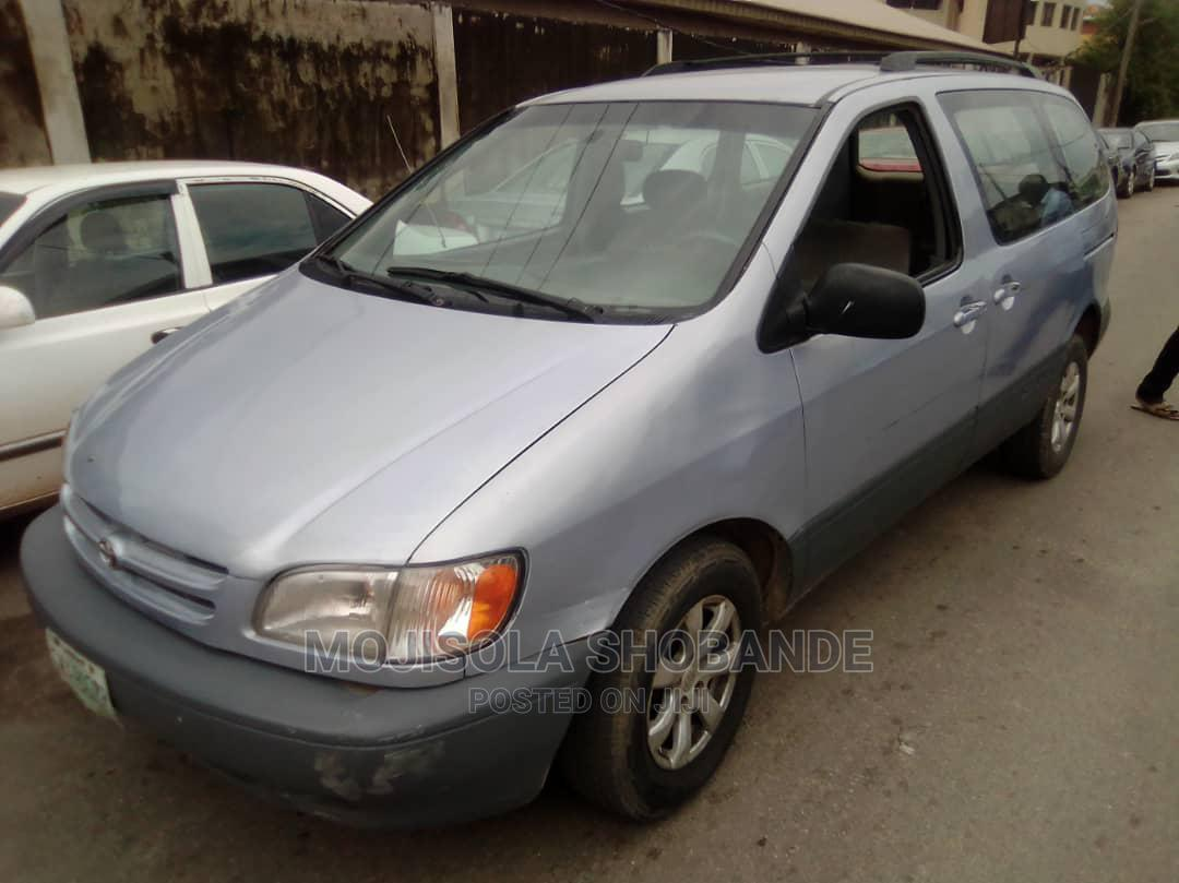 Toyota Sienna 2000 LE & 1 Hatch Blue   Cars for sale in Ikeja, Lagos State, Nigeria