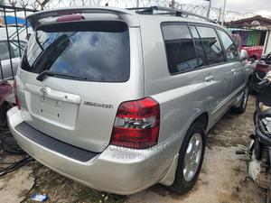 Toyota Highlander 2004 Silver   Cars for sale in Lagos State, Surulere