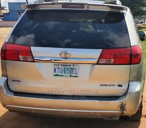 Toyota Sienna 2005 XLE Limited Gold   Cars for sale in Lagos State, Alimosho