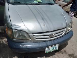 Toyota Sienna 2001 CE Gold   Cars for sale in Lagos State, Surulere