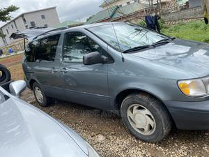 Toyota Sienna 2000 LE & 1 Hatch Green | Cars for sale in Abuja (FCT) State, Gwarinpa