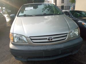 Toyota Sienna 2001 Silver | Cars for sale in Lagos State, Surulere