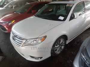 Toyota Avalon 2011 White   Cars for sale in Lagos State, Surulere