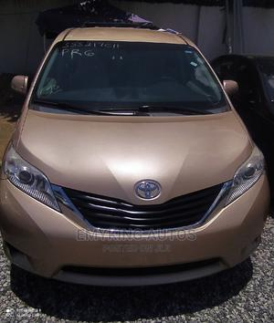 Toyota Sienna 2012 LE 7 Passenger Mobility Gold | Cars for sale in Lagos State, Ogudu