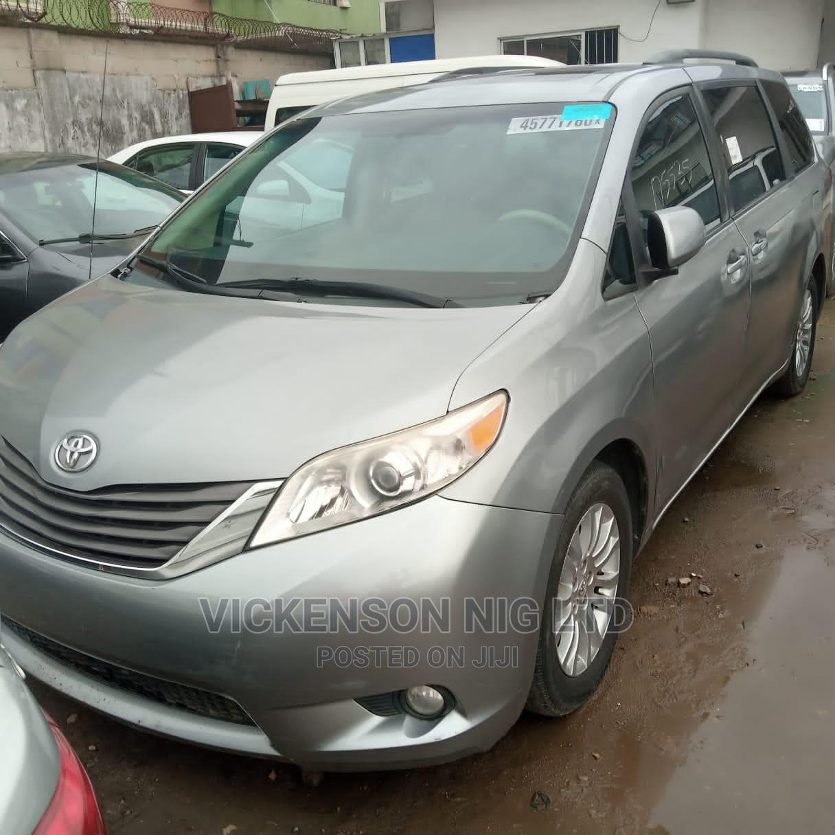 Toyota Sienna 2011 LE 7 Passenger Mobility Gray   Cars for sale in Shomolu, Lagos State, Nigeria