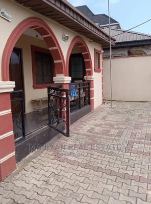 Furnished 3bdrm Bungalow in Estate, Baruwa Ipaja, Abule Egba for Sale | Houses & Apartments For Sale for sale in Lagos State, Abule Egba