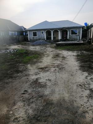 Furnished 2bdrm Bungalow in Igbogbo for Sale | Houses & Apartments For Sale for sale in Ikorodu, Igbogbo