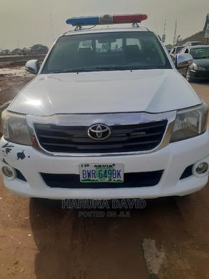 Toyota Hilux 2011 White | Cars for sale in Abuja (FCT) State, Karu