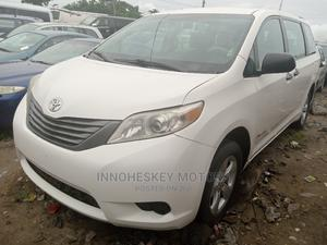 Toyota Sienna 2013 LE FWD 8-Passenger White | Cars for sale in Lagos State, Apapa