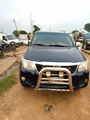 Toyota Hilux 2012 2.7 VVT-i 4X4 SRX Blue | Cars for sale in Abuja (FCT) State, Nyanya