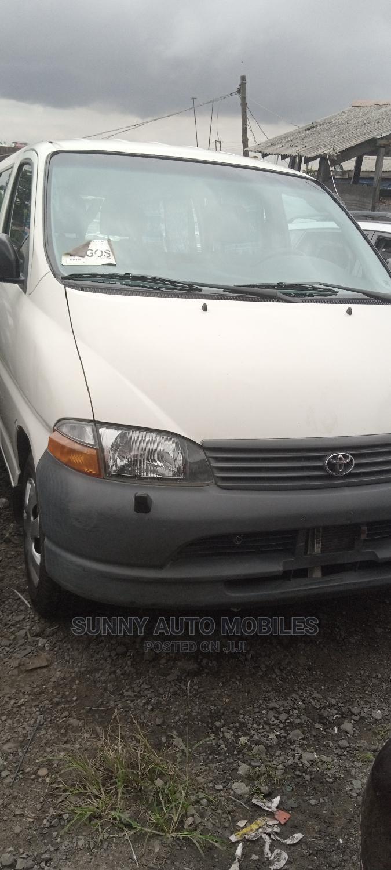 Toyota Hiace Bus 2003