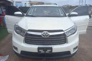 Toyota Highlander 2015 White | Cars for sale in Abuja (FCT) State, Apo District