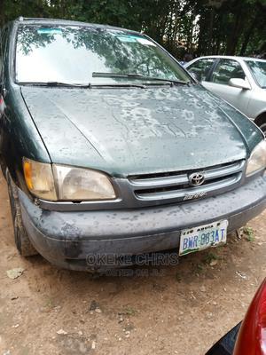 Toyota Sienna 2000 Green   Cars for sale in Abuja (FCT) State, Gaduwa