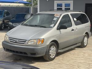Toyota Sienna 2001 Gold   Cars for sale in Lagos State, Ikeja