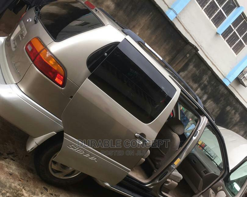 Archive: Toyota Sienna 2000 LE & 1 Hatch Gold