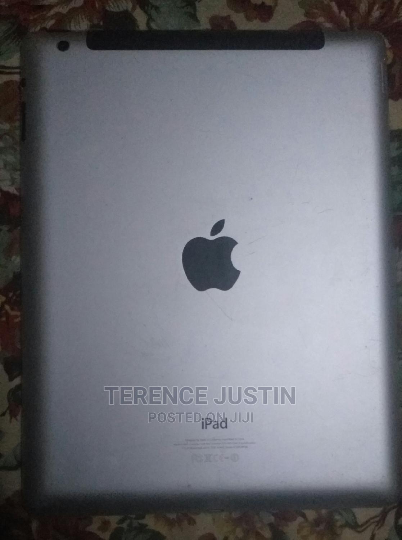 Archive: Apple iPad 4 Wi-Fi + Cellular 16 GB White