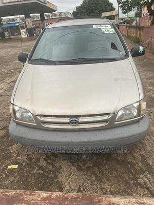 Toyota Sienna 2000 Gold | Cars for sale in Oyo State, Ibadan