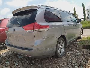 Toyota Sienna 2010 LE 7 Passenger Silver | Cars for sale in Oyo State, Ibadan