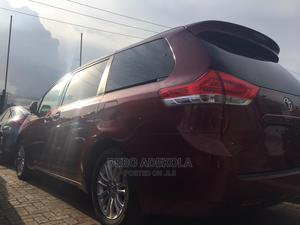 Toyota Sienna 2011 XLE 8 Passenger Red | Cars for sale in Lagos State, Alimosho