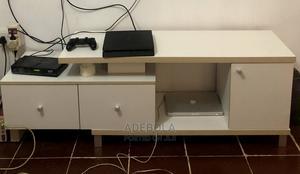 White TV Stand   Furniture for sale in Lagos State, Ifako-Ijaiye