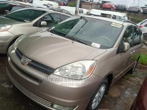 Toyota Sienna 2004 XLE AWD (3.3L V6 5A) Gold   Cars for sale in Lagos State, Apapa