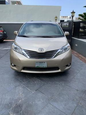 Toyota Sienna 2011 XLE 7 Passenger Mobility Gold | Cars for sale in Lagos State, Lekki