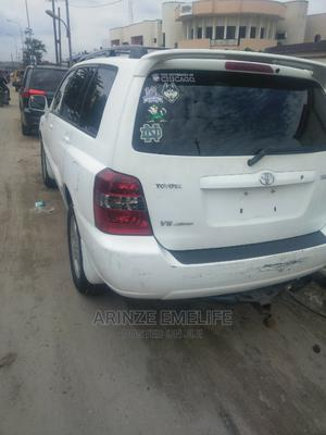 Toyota Highlander 2004 Limited V6 4x4 Off White | Cars for sale in Lagos State, Amuwo-Odofin