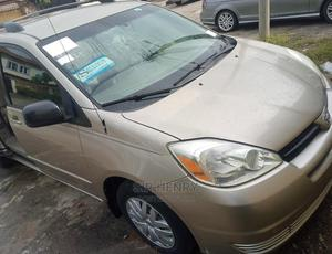 Toyota Sienna 2005 Gold   Cars for sale in Abuja (FCT) State, Gwarinpa