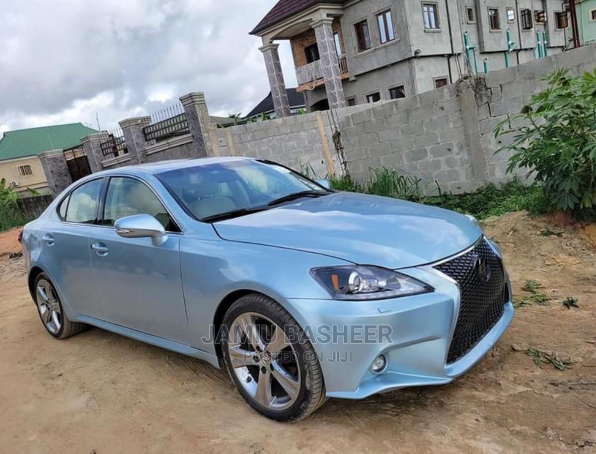 Lexus IS 2012 250 Blue