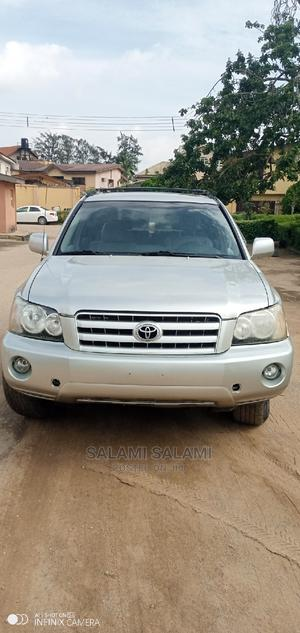 Toyota Highlander 2003 V6 AWD Silver | Cars for sale in Lagos State, Alimosho