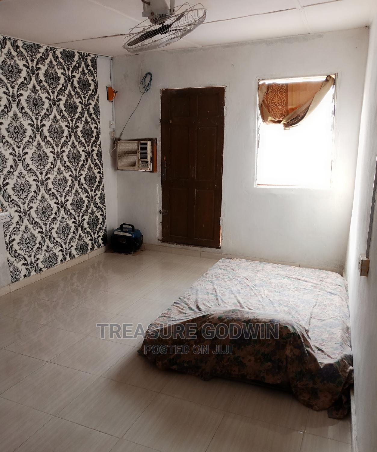 Spacious Selfcon for Shortlet in Surulere | Short Let for sale in Surulere, Lagos State, Nigeria