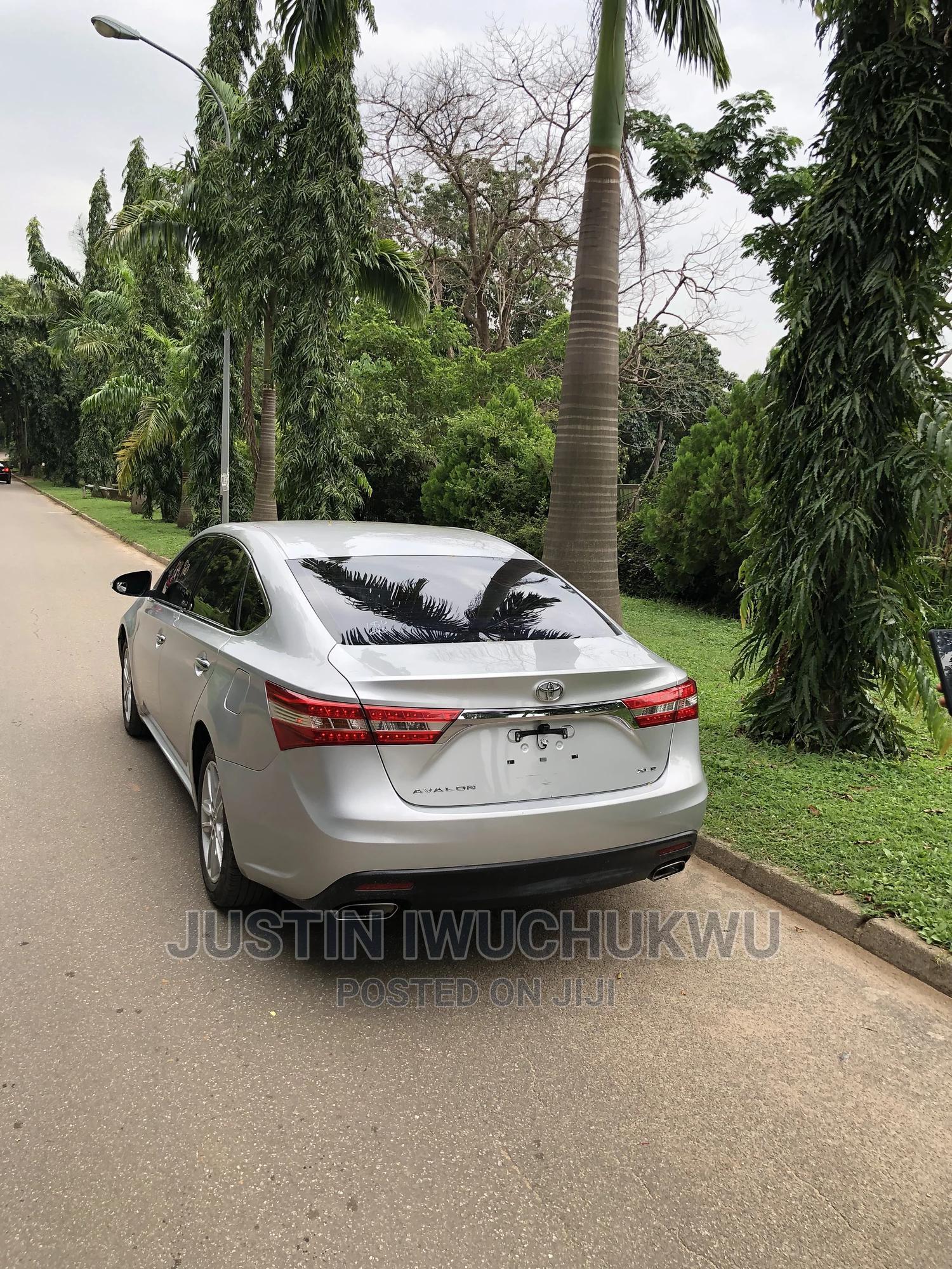 Toyota Avalon 2013 Silver   Cars for sale in Garki 2, Abuja (FCT) State, Nigeria