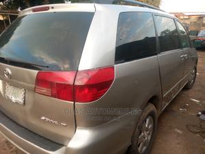 Toyota Sienna 2004 Silver   Cars for sale in Lagos State, Ifako-Ijaiye