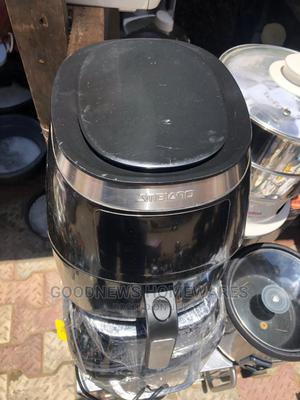 London Used Air Fryer   Kitchen Appliances for sale in Lagos State, Ojo