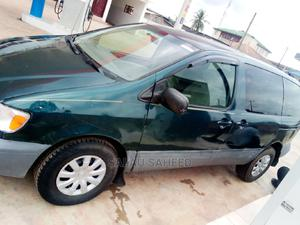 Toyota Sienna 1999 LE 3dr Green | Cars for sale in Lagos State, Abule Egba