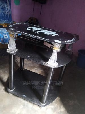 Glass TV Stand   Furniture for sale in Cross River State, Calabar