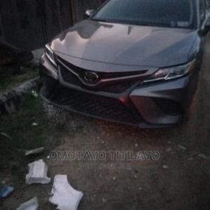 Toyota Camry 2018 SE FWD (2.5L 4cyl 8AM) Black   Cars for sale in Lagos State, Ajah