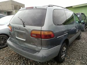 Toyota Sienna 2001 Gray | Cars for sale in Lagos State, Ikeja