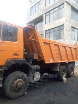 Very Neat Man Diesel Tipper Truck 10 Tyre | Trucks & Trailers for sale in Lagos State, Abule Egba