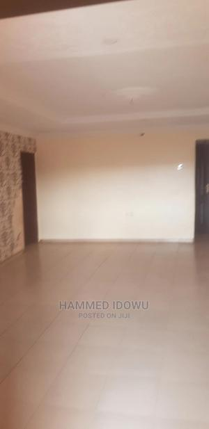 Furnished 3bdrm Block of Flats in Okebadan Estate, Akobo for Rent | Houses & Apartments For Rent for sale in Ibadan, Akobo