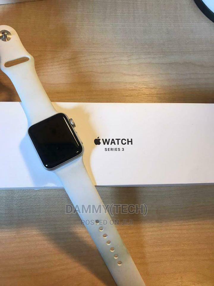 Archive: Apple Watch Series 3