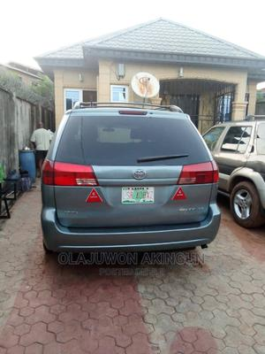 Toyota Sienna 2004 Gray   Cars for sale in Lagos State, Agege