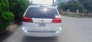 Toyota Sienna 2005 White | Cars for sale in Abuja (FCT) State, Kubwa