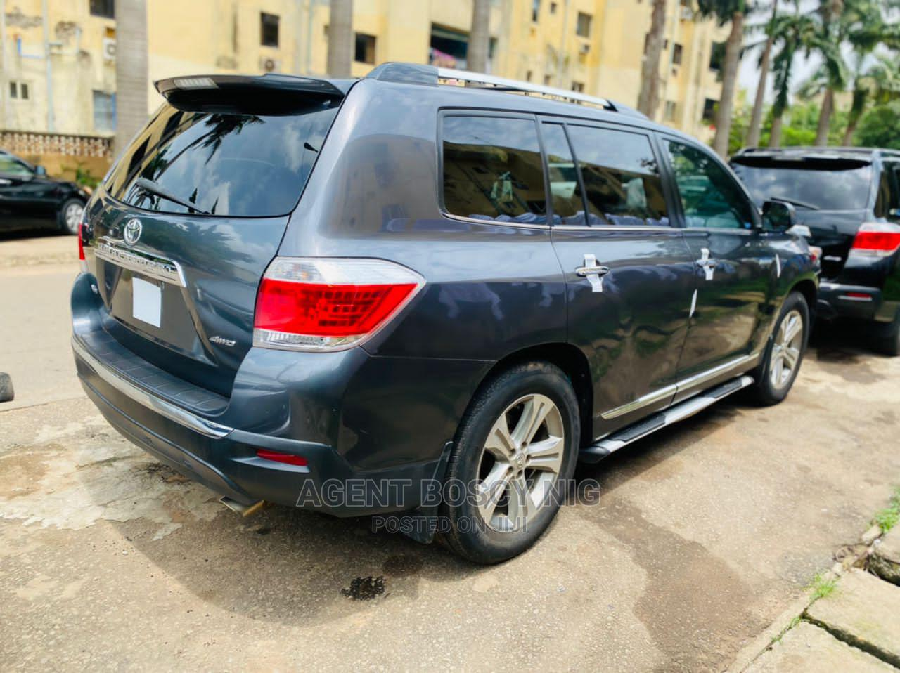 Toyota Highlander 2012 Limited Gray | Cars for sale in Asokoro, Abuja (FCT) State, Nigeria