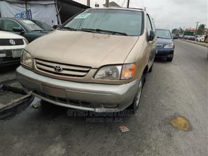 Toyota Sienna 2002 XLE Gold | Cars for sale in Lagos State, Ajah
