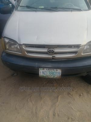 Toyota Sienna 2000 LE & 1 Hatch Gold   Cars for sale in Lagos State, Ojo