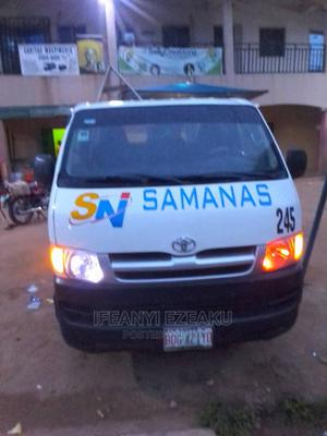 White Toyota Hiace Bus 2009 Ready to Use | Buses & Microbuses for sale in Lagos State, Amuwo-Odofin
