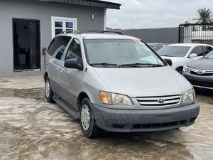 Toyota Sienna 2002 LE Silver | Cars for sale in Lagos State, Ikeja