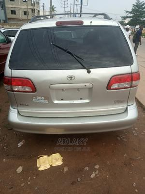 Toyota Sienna 2002 LE Silver | Cars for sale in Lagos State, Ikorodu